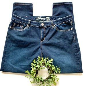 Seven7 Skinny Jeans Size 16